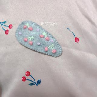 プティマイン(petit main)のhandmade ♡ ヘアピン 26(ファッション雑貨)