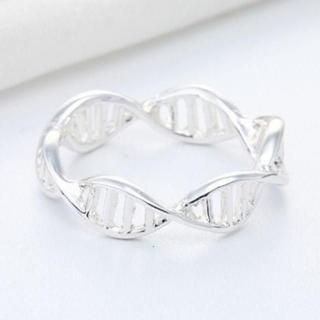 DNA 2重らせん double helix リング 12号 シルバーカラー(リング(指輪))