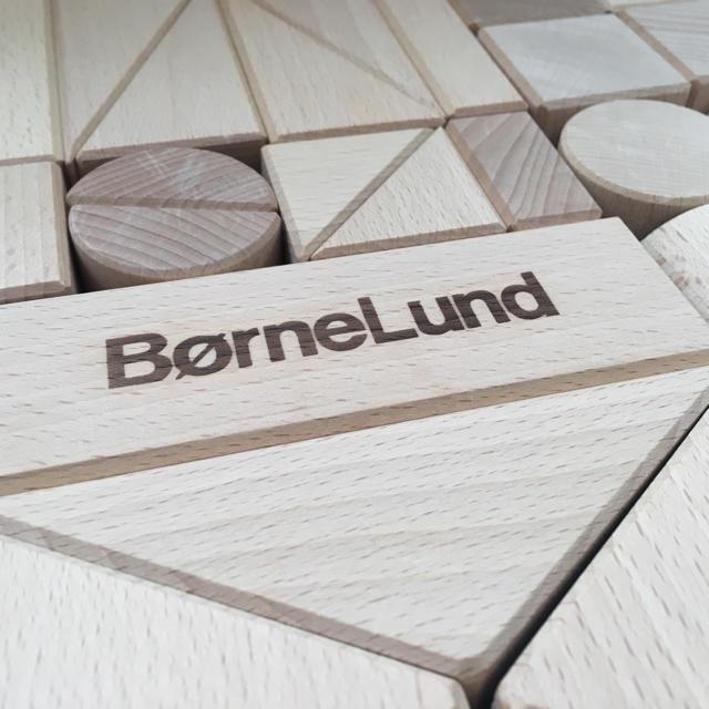 BorneLund(ボーネルンド)のボーネルンド オリジナル 積み木 M キッズ/ベビー/マタニティのおもちゃ(積み木/ブロック)の商品写真