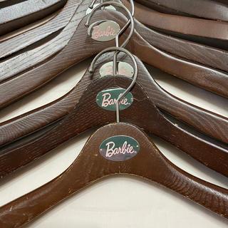 バービー(Barbie)のBarbie バービー ♡ 木製ハンガー10本セット(押し入れ収納/ハンガー)
