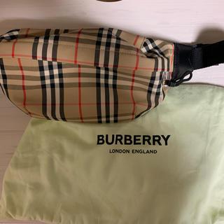 バーバリー(BURBERRY)のBurberry ミディアム ボディバック 最終値下げ(ボディーバッグ)