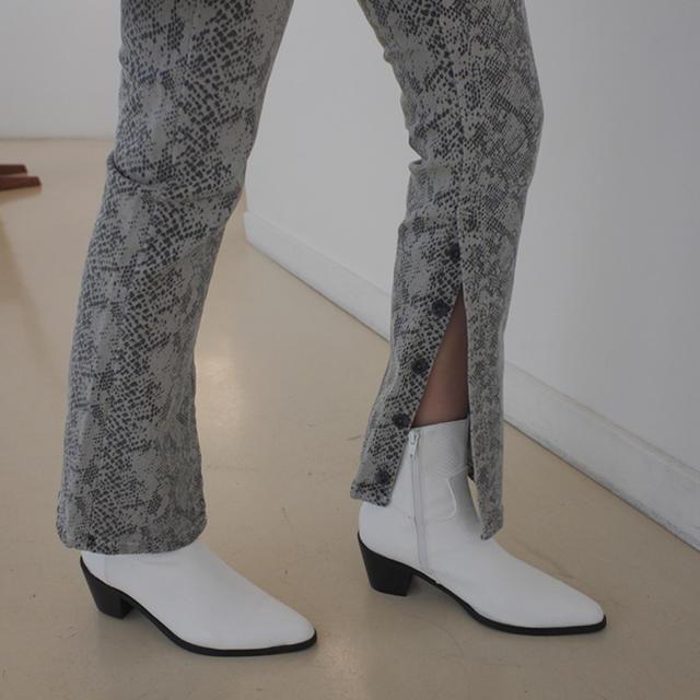 STYLENANDA(スタイルナンダ)のシックミドルヒールブーツ STYLENANDA レディースの靴/シューズ(ブーツ)の商品写真