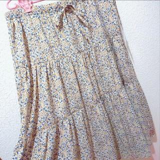 アベイル(Avail)の新品 Avail 4L 小花柄 シフォン ティアード ロング スカート♥GU(ロングスカート)