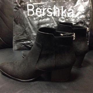 ベルシュカ(Bershka)の【美品】スエードブーツ ショートブーツ レディース(ブーツ)