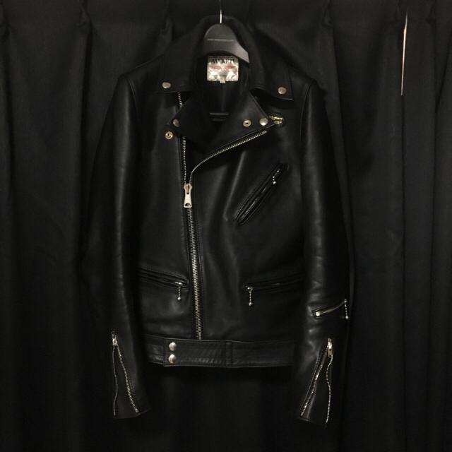 Lewis Leathers(ルイスレザー)のlewis leathers サイクロン タイトフィット 32 メンズのジャケット/アウター(ライダースジャケット)の商品写真