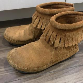 ミネトンカ(Minnetonka)のミネトンカ フリンジ ブーツ(ブーツ)