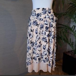 マウジー(moussy)の新品 MOUSSY 花柄スカート(ひざ丈スカート)