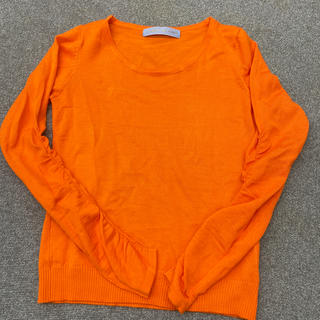 ザラ(ZARA)のオレンジ シャーリング袖デザインニット(ニット/セーター)