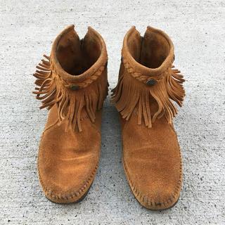 ミネトンカ(Minnetonka)のミネトンカ フリンジブーツ ショートブーツ 24.5cm(ブーツ)
