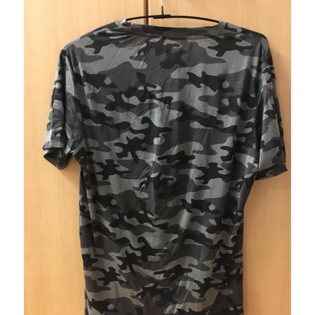 GU(ジーユー)の迷彩Tシャツ メンズのトップス(Tシャツ/カットソー(半袖/袖なし))の商品写真