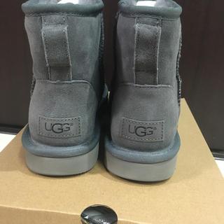 アグ(UGG)の即発! 取寄せ済新品 アグ グレー25(ブーツ)