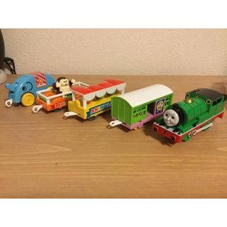 トミー(TOMMY)のプラレール パーシーと動物園貨車セット  電池で動く  トーマス (電車のおもちゃ/車)