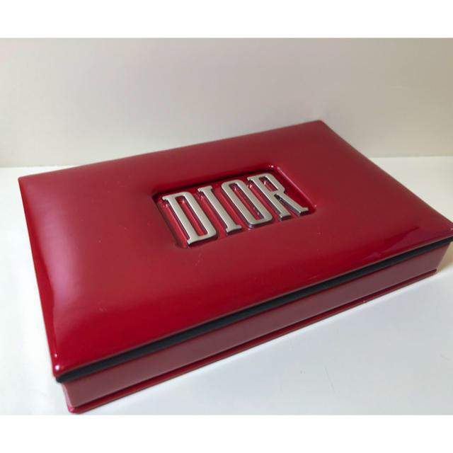 Dior(ディオール)の【限定品】ディオール アイシャドウ、チーク、リップ、筆のセット コスメ/美容のキット/セット(コフレ/メイクアップセット)の商品写真