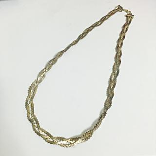 Ebonyivory(エボニーアイボリー)のノートエシロンス ゴールド三連ネックレス レディースファッションの