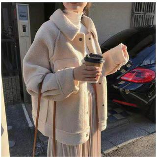 LACA029秋冬レディースもこもこ 厚手ボアアウター コート(3色S-XL) (ムートンコート)