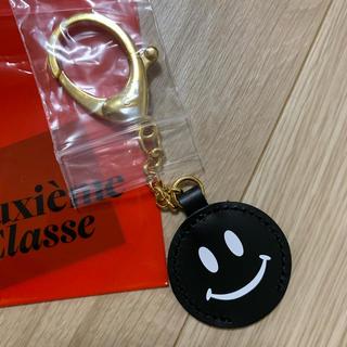ドゥーズィエムクラス(DEUXIEME CLASSE)のSMILEY FACE キーホルダー(キーホルダー)