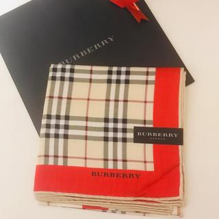 バーバリー(BURBERRY)の新品未使用バーバリーBurberry大判ハンカチ58cm赤レッドチェックスカーフ(ハンカチ)