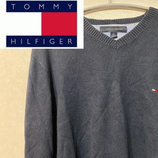トミーヒルフィガー(TOMMY HILFIGER)のトミーヒルフィガー ニット セーター Vネック ワンポイント フルジョ(ニット/セーター)