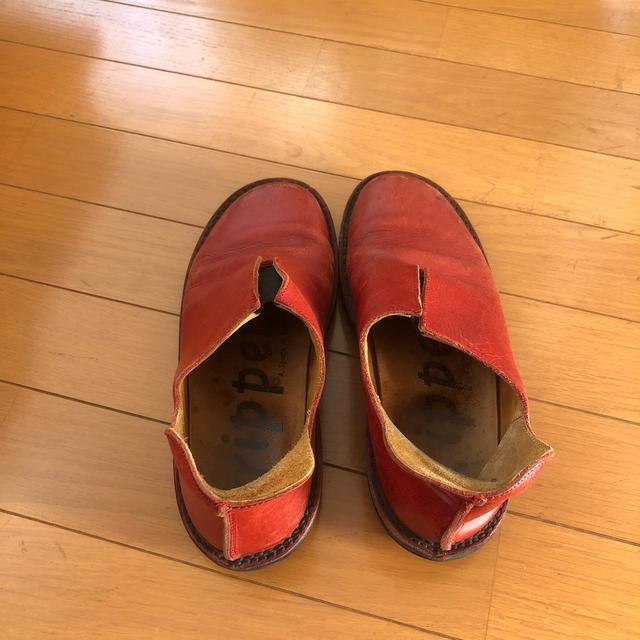 trippen(トリッペン)のTRIPPEN レッド スリッポン 37 爪先ダメージ レディースの靴/シューズ(ローファー/革靴)の商品写真
