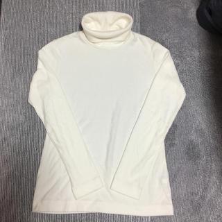 ユニクロ(UNIQLO)のユニクロ 白タートルネック Mサイズ(アンダーシャツ/防寒インナー)