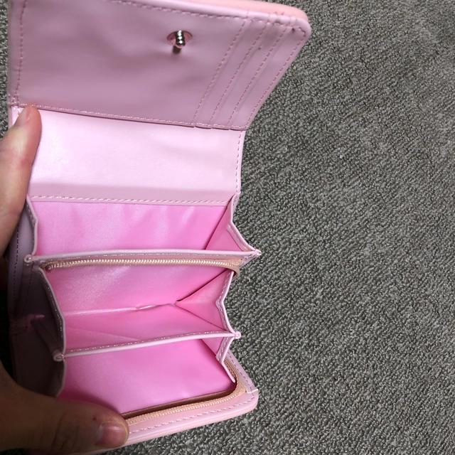 しまむら(シマムラ)の二つ折お財布 レディース  ピンク レディースのファッション小物(財布)の商品写真