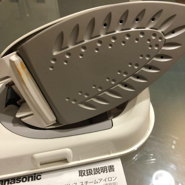 Panasonic(パナソニック)のパナソニックアイロンCaRuRu NI-CL307 スマホ/家電/カメラの生活家電(アイロン)の商品写真