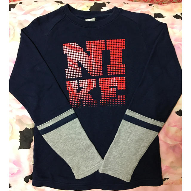 NIKE(ナイキ)のNIKE薄手トレーナー150 キッズ/ベビー/マタニティのキッズ服 男の子用(90cm~)(ジャケット/上着)の商品写真
