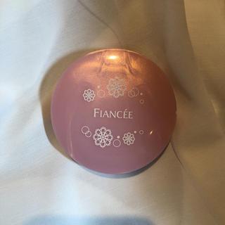 フィアンセ(FIANCEE)のフィアンセ フレグランスボディパウダー(香水(女性用))