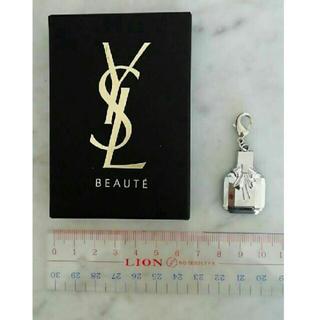 イヴサンローランボーテ(Yves Saint Laurent Beaute)の【新品】YVES SAINT LAURENT BEAUTE CHARM(チャーム)