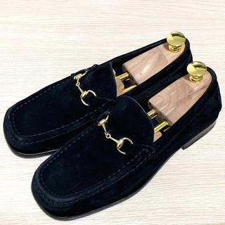 グッチ(Gucci)のGUCCI 37 ホースビットローファー スエード ブラック メンズ レディース(ローファー/革靴)