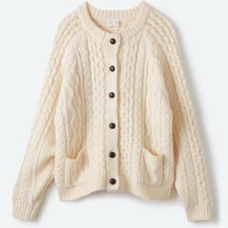 ハコ(haco!)のhaco! 古着屋さんで見つけたようなもっふりケーブル編みカーディガン(カーディガン)