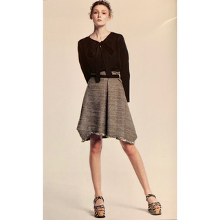 ヴィヴィアンウエストウッド(Vivienne Westwood)のヴィヴィアンウエストウッドリボン付き編みこみスカート(ひざ丈スカート)