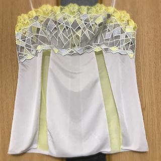 Wacoal - ワコール スタジオファイブのキャミソール(淡いグレーにイエロー刺繍)