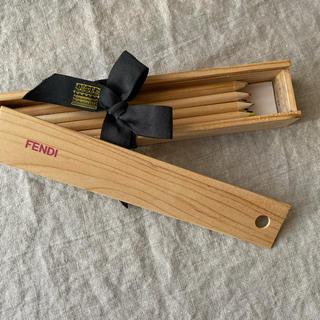 フェンディ(FENDI)のフェンディ☆FENDI限定ノベルティー色鉛筆セット☆新品・未使用(ノベルティグッズ)
