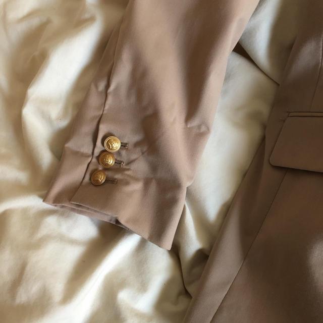 ベージュテーラードジャケット セットアップにも レディースのジャケット/アウター(テーラードジャケット)の商品写真