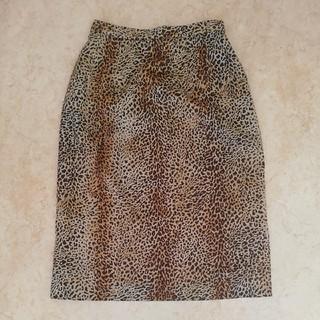 レリアン(leilian)の美品レリアン、レオパード柄スカート、サイズ7号。LEILIAN (ひざ丈スカート)
