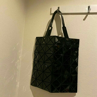 イッセイミヤケ(ISSEY MIYAKE)の ISSEY MIYAKEハンドバッグ   6×6(ハンドバッグ)