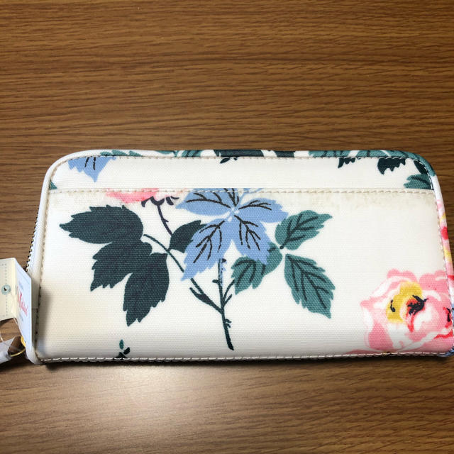 Cath Kidston(キャスキッドソン)のキャスキッドソンの長財布 レディースのファッション小物(財布)の商品写真