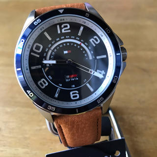 TOMMY HILFIGER - 新品✨トミー ヒルフィガー クオーツ メンズ 腕時計 1791391 ネイビー