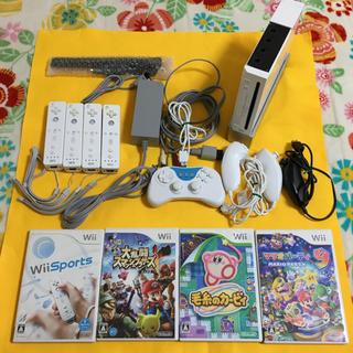 Wii - Wii本体 スマッシュブラザーズ 4人で遊べるセット