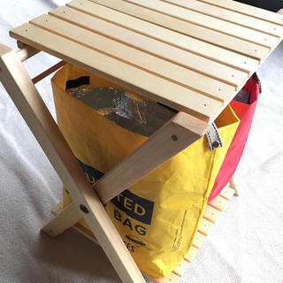 スノーピーク(Snow Peak)のゴミ箱木製折りたたみ分別赤黄(ハンドメイド)(テーブル/チェア)