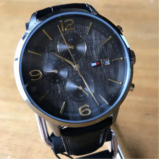 TOMMY HILFIGER - 新品✨トミー ヒルフィガー クオーツ メンズ 腕時計 1710357 チャコール