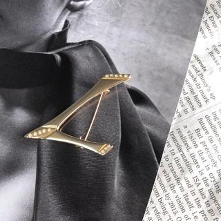 H.P.FRANCE - vintage brooch アンティーク モチーフ ゴールドブローチ