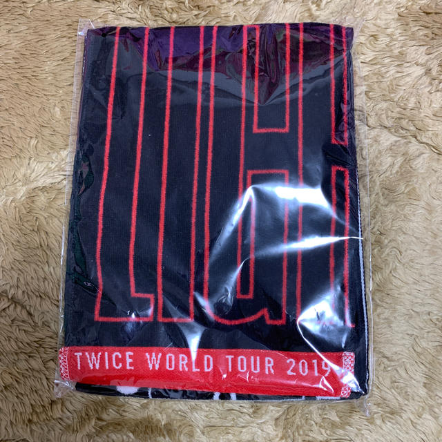 Waste(twice)(ウェストトゥワイス)のTWICE TWICELIGHTS' IN JAPAN マフラータオル 黒 エンタメ/ホビーのCD(K-POP/アジア)の商品写真