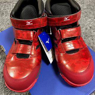 ミズノ(MIZUNO)の安全靴 ミズノMIZUNO限定品 迷彩柄 レッド 25㎝〜28㎝ミドルカット(その他)