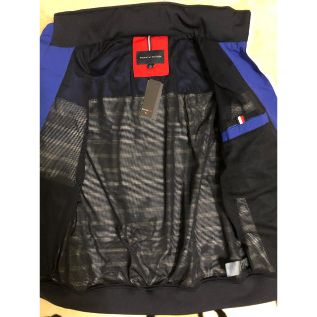 TOMMY HILFIGER(トミーヒルフィガー)のトミーヒルフィガー フード付き ナイロンジャケット マリンボーダー メンズのジャケット/アウター(ナイロンジャケット)の商品写真