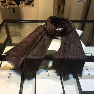 ディオール(Dior)のDior 超人気のマフラーです。  (マフラー/ショール)