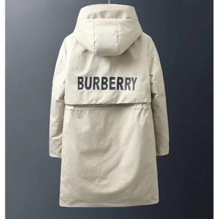 バーバリー(BURBERRY)の美品 Burberry ダウンジャケット (白い)男女兼用(ダウンジャケット)