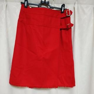 イーストボーイ(EASTBOY)の【新品未使用】赤 プリーツ 巻きスカート(ひざ丈スカート)