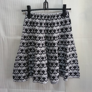 スライ(SLY)のスライ SCALY TILE ニット スカート(ひざ丈スカート)